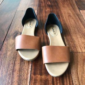 Breckelle's Leather Slide Sandals